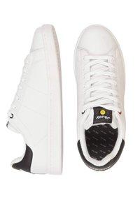 J&JOY - Sneakers laag - wit - 2