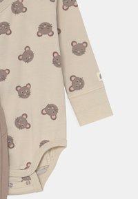Lindex - MOUSE SET UNISEX - Trousers - beige - 2