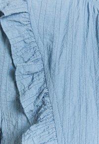 Cream - ENGA BLOUSE - Blouse - dusty blue - 2