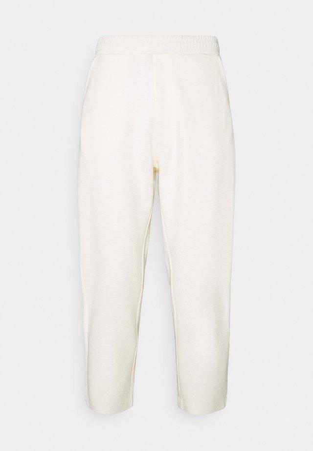 TROUSERS - Pantaloni - off white