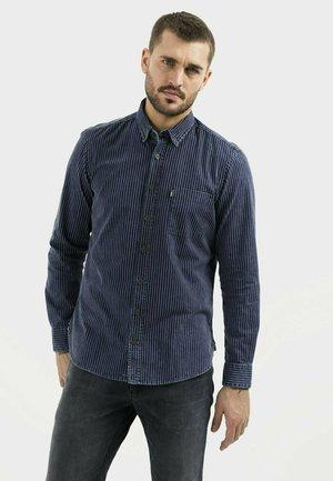 REGULAR FIT - Overhemd - indigo