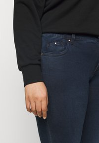 CAPSULE by Simply Be - SHAPE AND SCULPT - Jeans Skinny Fit - indigo - 3
