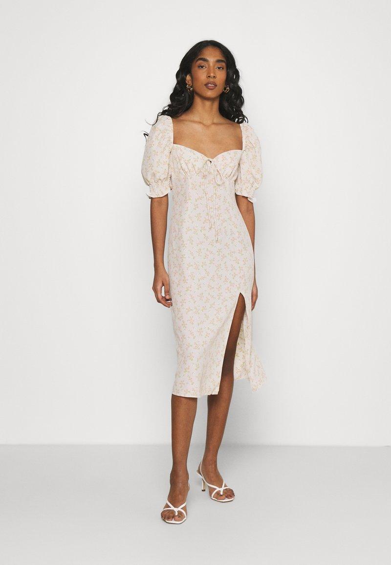 Glamorous - CARE MIDI DRESSES WITH PUFF - Korte jurk - stone ditsy