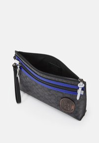 Coach - ACADEMY POUCH IN SIGNATURE FEATURING PATCH - Across body bag - black - 2