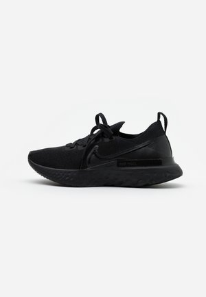EPIC PRO REACT FLYKNIT - Neutral running shoes - black/white