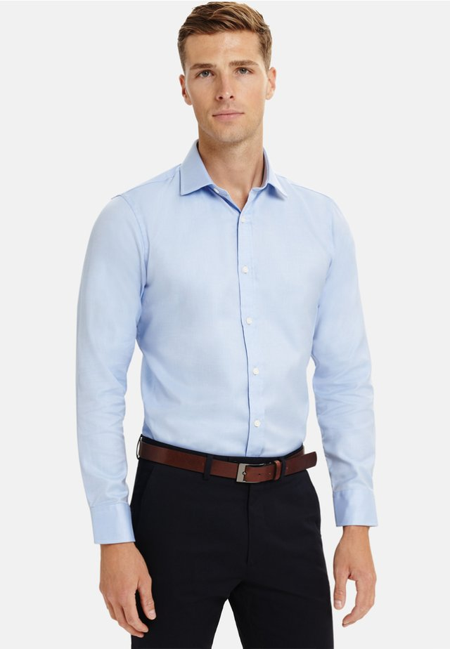 FITTED TWILL - Formal shirt - blue