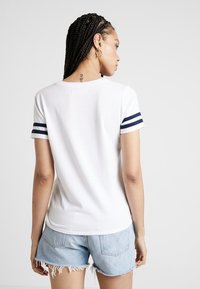 Hollister Co. - CORE LOGO TEE - Triko s potiskem - white