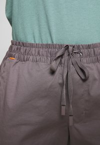 Mammut - CAMIE PANTS WOMEN - Bukser - shark - 3