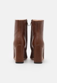 Bianca Di - High heeled ankle boots - brown - 3