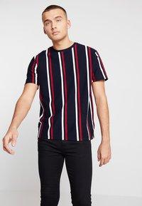 Topman - Print T-shirt - navy - 0