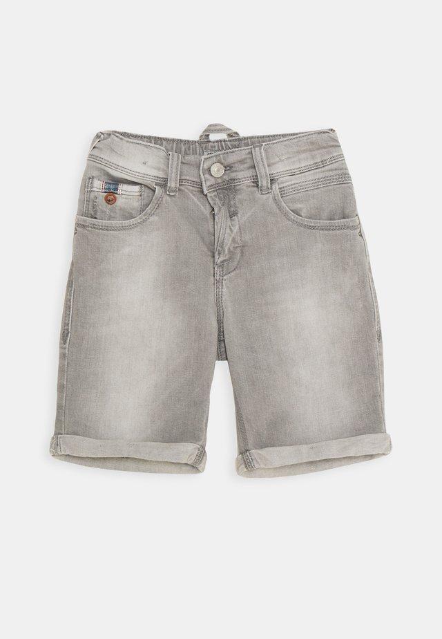 LANCE  - Denim shorts - tyrone wash