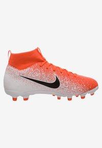 Nike Performance - Indoor football boots - hyper crimson/black/white - 6