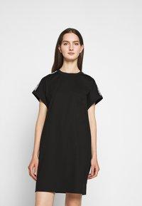 KARL LAGERFELD - MERCERIZED DRESS  - Žerzejové šaty - black - 0