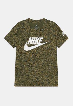 DIGITAL CONFETTI FUTURA  - Print T-shirt - rough green