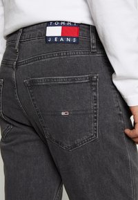 Tommy Jeans - DAD STRAIGHT - Jean droit - aries - 6