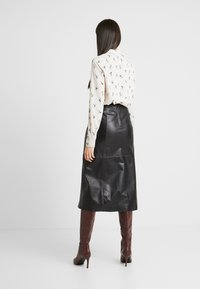 Selected Femme Tall - SLFARDEE SKIRT - Áčková sukně - black - 2