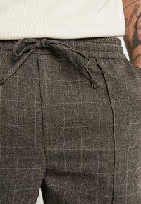 Kings Will Dream - ALDO SMART JOGGERS - Kalhoty - charcoal - 3