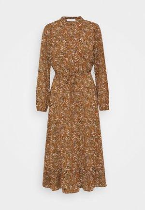 ONLLIMA DRESS - Paitamekko - rust