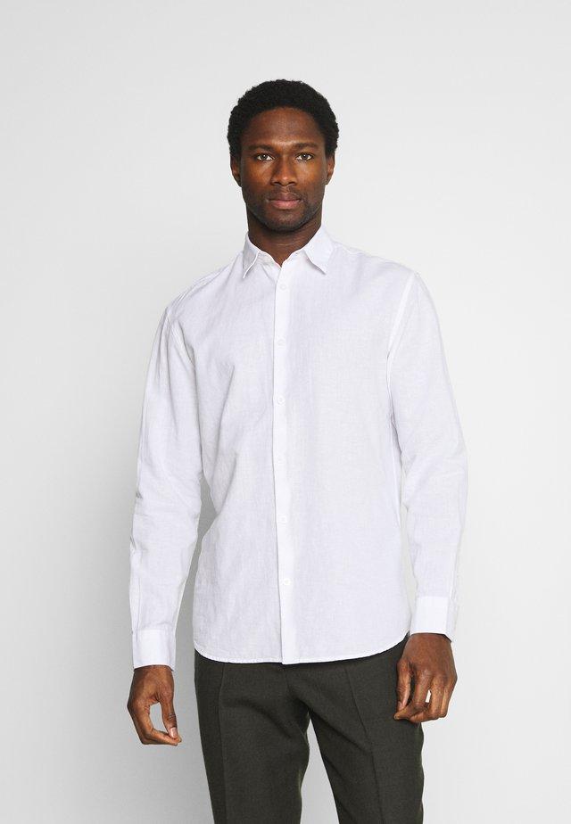 SLHREGNEW SHIRT - Overhemd - white