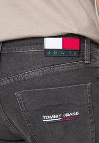 Tommy Jeans - SCANTON - Slim fit jeans - grey - 4