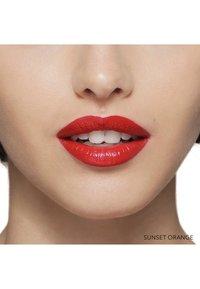 Bobbi Brown - LUXE LIP COLOR - Lipstick - sunset orange - 3