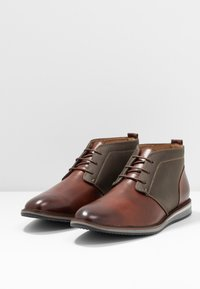 Madden by Steve Madden - HELIUM - Casual lace-ups - cognac - 2