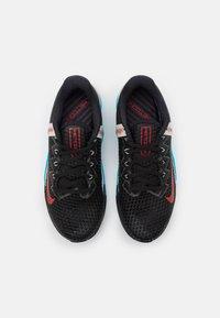 Nike Performance - METCON 6 UNISEX - Sports shoes - black/universe red/light blue fury/light bone/light smoke grey - 3