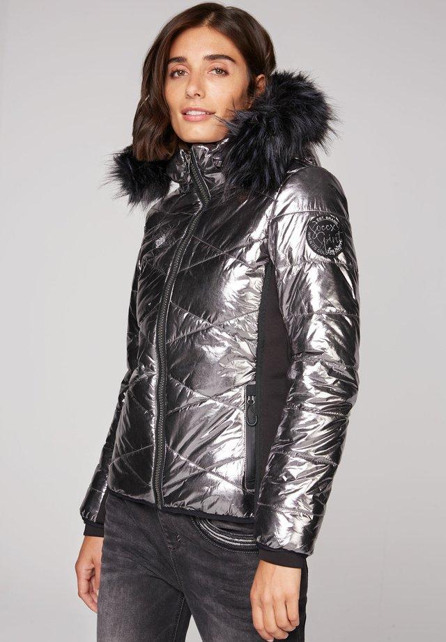 MIT METALLIC LOOK - Winter jacket - silver