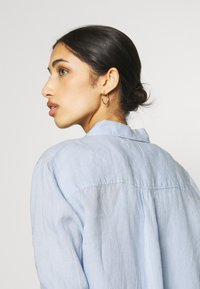 Gina Tricot - KIMBERLY SHIRT - Skjorta - kentucky blue - 4