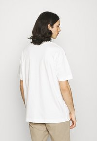 Good For Nothing - BUTTERFLY - Print T-shirt - white - 2