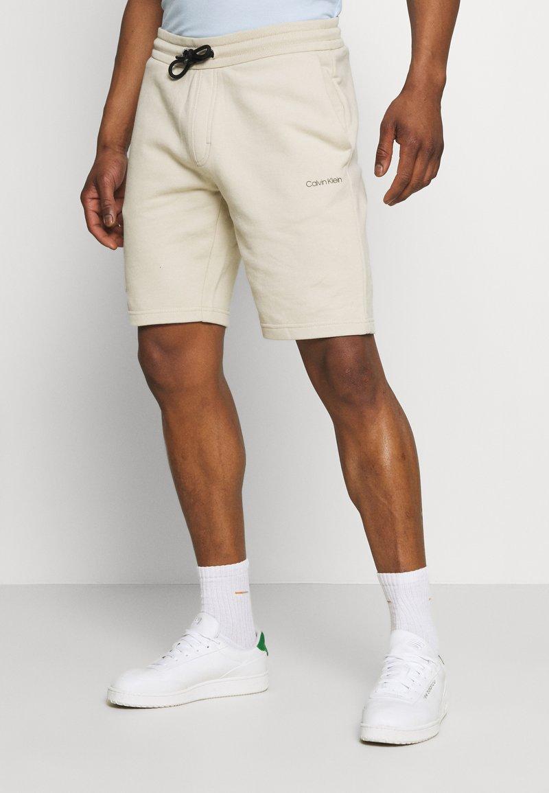 Calvin Klein - SMALL LOGO - Short - beige