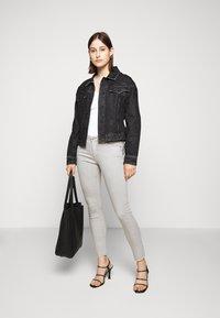 AG Jeans - ANKLE - Jeans Skinny Fit - sulfur florence fog - 1