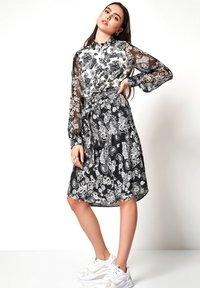 DESOTO - Shirt dress - white/dark blue - 1