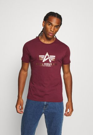 BASIC PRINT - T-shirt med print - burgundy/yellowgold