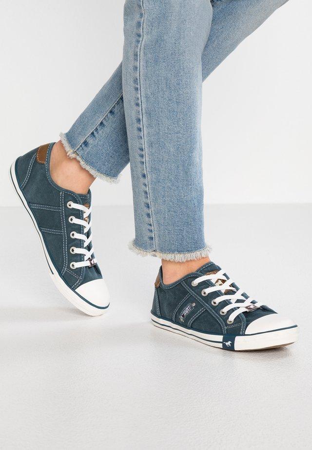 Sneakers laag - blau/grün