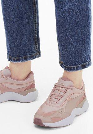 LIA TONAL - Sneaker low - peachskin-foxglove