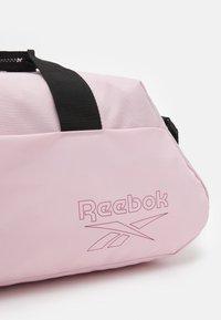 Reebok - WOMENS ESSENTIALS GRIP - Sports bag - frost berry - 3