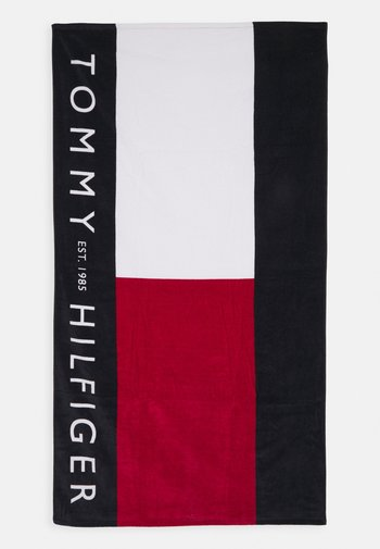 CORE FLAG TOWEL