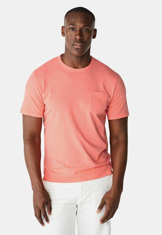 Basic T-shirt - flower pink