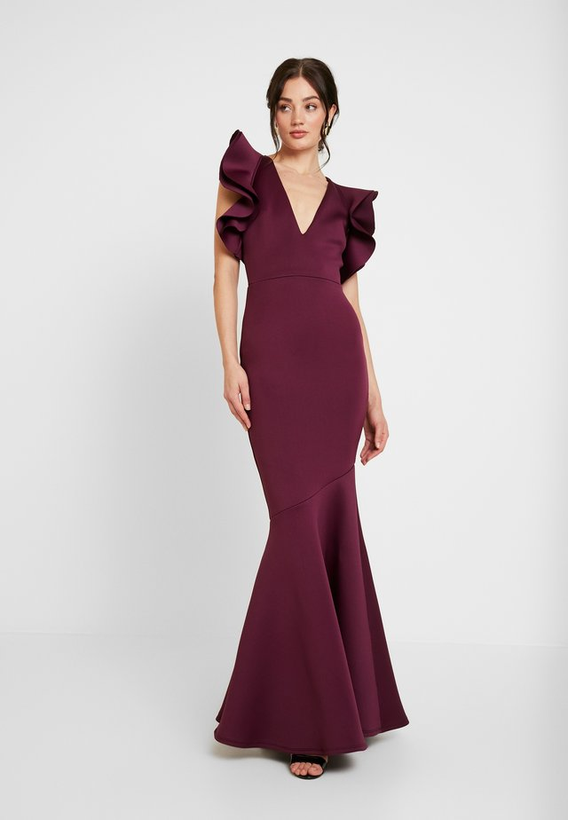 LABEL CUT OUT SHOULDER GOWN - Gallakjole - berry