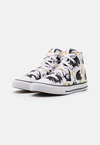 Converse - CHUCK TAYLOR ALL STAR JUNGLE FUN UNISEX - Sneakers hoog - white/black/yellow - 1