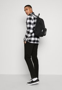 Armani Exchange - BACKPACK - Rucksack - black - 1