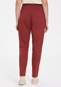 WESTMARK LONDON - Tracksuit bottoms - spiced apple - 2