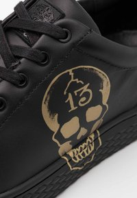 Ed Hardy - LUCKY  - Trainers - black/gold - 5