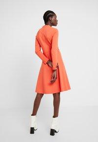 Opus - WONITA - Sukienka z dżerseju - fresh coral - 3