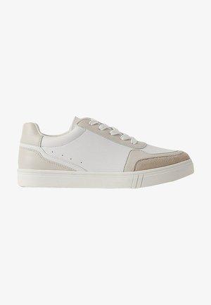 Baskets basses - white