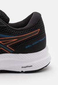 ASICS - GEL CONTEND 7 - Chaussures de running neutres - black/marigold orange - 5