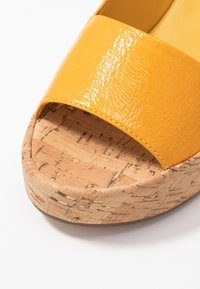 Högl - Platform sandals - mango - 2