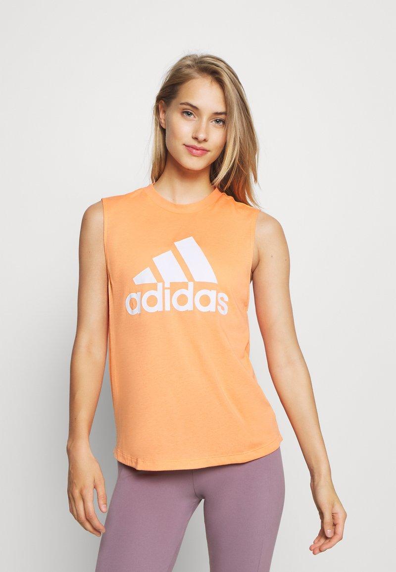 adidas Performance - MUST HAVES SPORT REGULAR FIT TANK TOP - Camiseta de deporte - ambtin/white