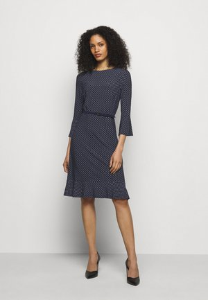 PRINTED DRESS - Jersey dress - navy/colonial
